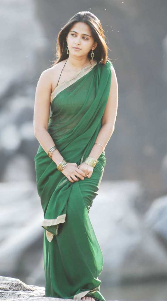 126+ Stunning HD Photos of Anushka Shetty 97