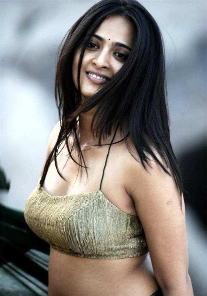126+ Stunning HD Photos of Anushka Shetty 111