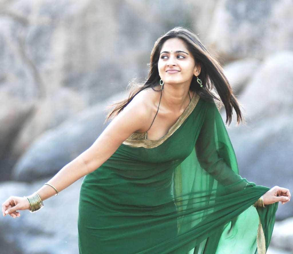 126+ Stunning HD Photos of Anushka Shetty 112
