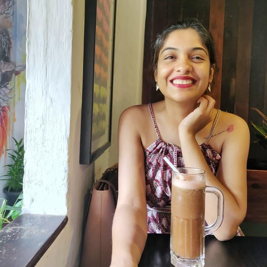 Beautiful Photos of Archana Kavi 12