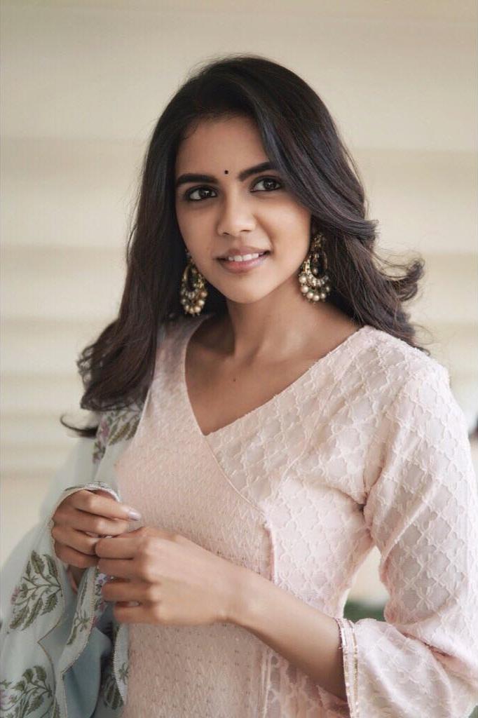 44+ Cute Photos of Kalyani Priyadarshan 6