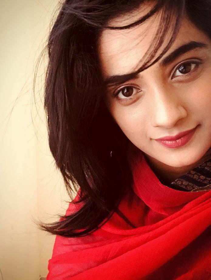 48+ Stunning Photos of Namitha Pramod 37