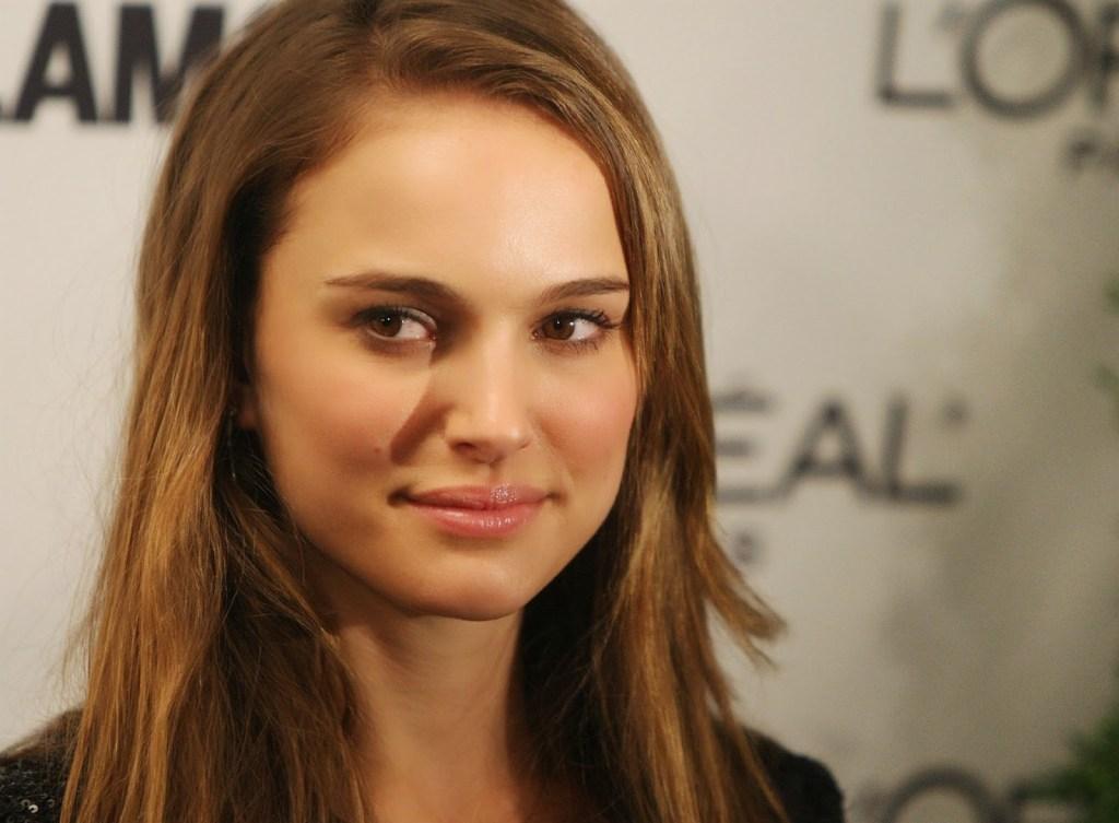 51+ Glamorous Photos of Natalie Portman 13