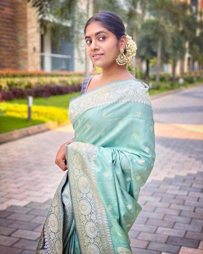 39+ Gorgeous Photos of Nimisha Sajayan 36