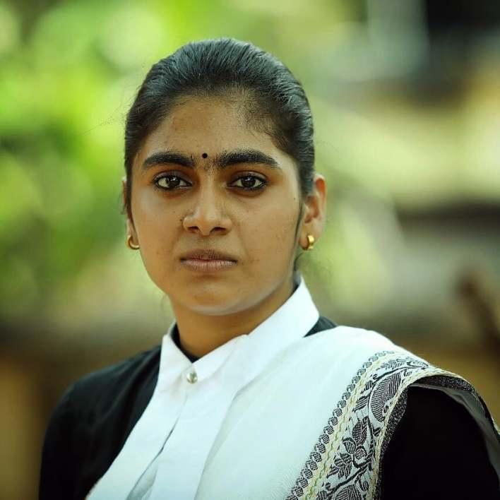 39+ Gorgeous Photos of Nimisha Sajayan 10