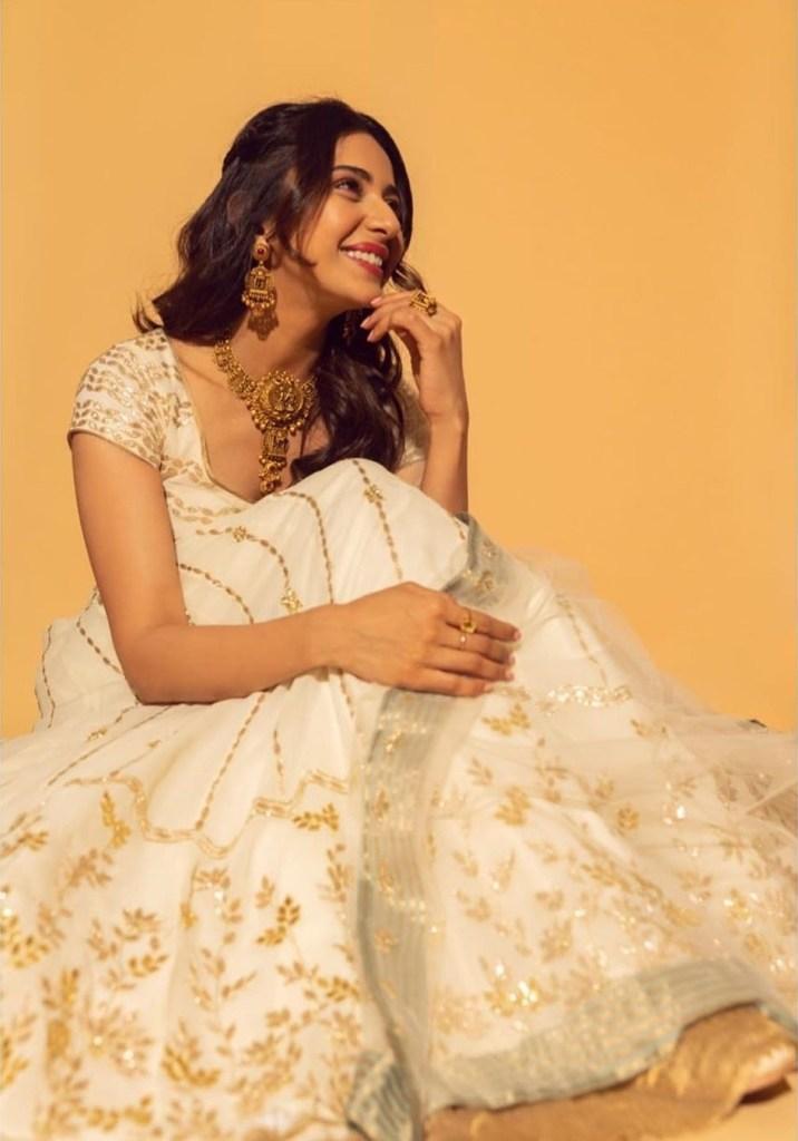45+ Gorgeous Photos of Rakul Preet Singh 105