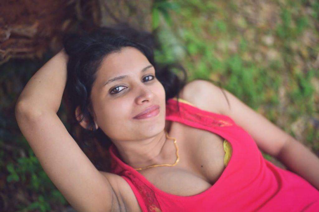 Resmi R Nair 42+ Glamorous Photos, Wiki, Age, and Biography 2