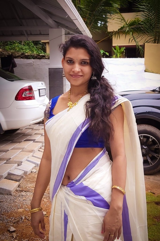 Resmi R Nair 42+ Glamorous Photos, Wiki, Age, and Biography 21