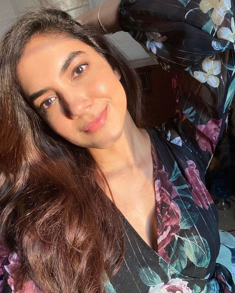 33+ Gorgeous Photos of Ritu Varma 23