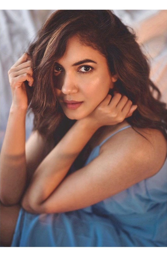 33+ Gorgeous Photos of Ritu Varma 5