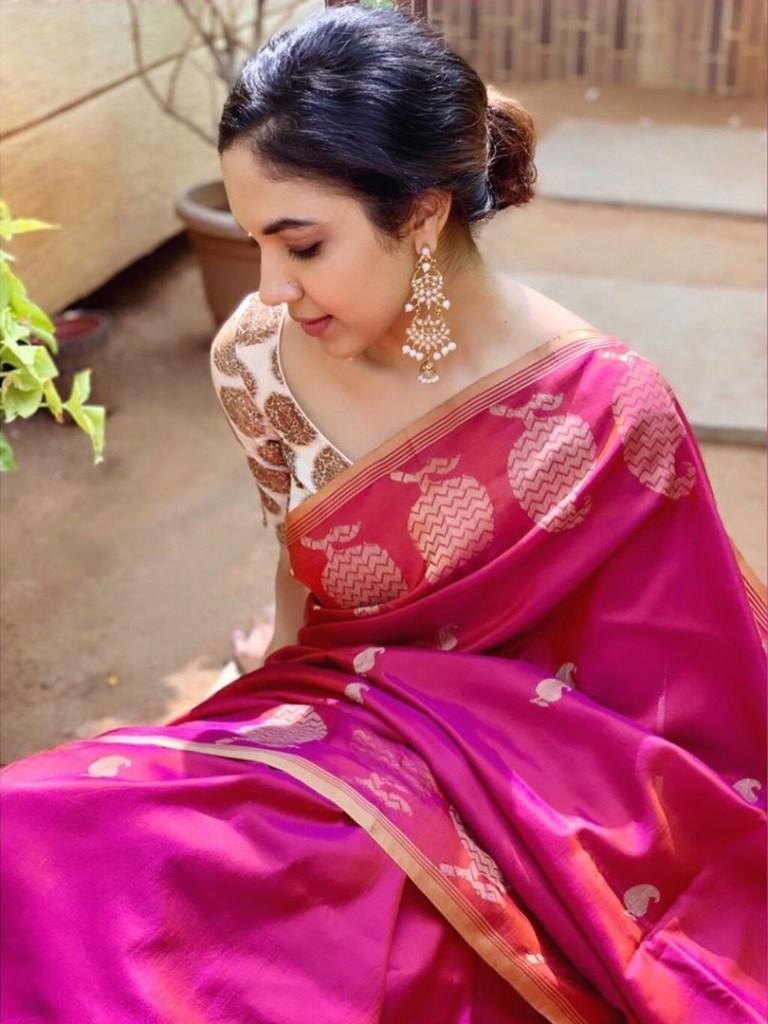 33+ Gorgeous Photos of Ritu Varma 7