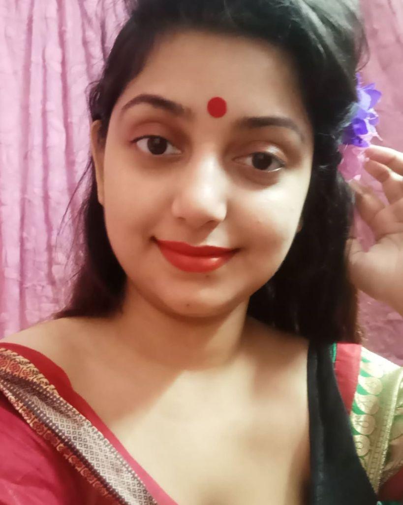 Rupsa Saha Chowdhury 42+ Glamorous Photos, Wiki, Age, Biography, Movies and, web series 121