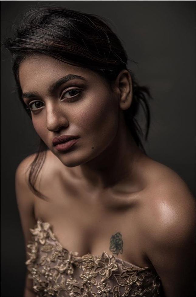 Saniya Iyappan Wiki, Age, Boyfriend, Movies, Family, Biography & beautiful Photos 18