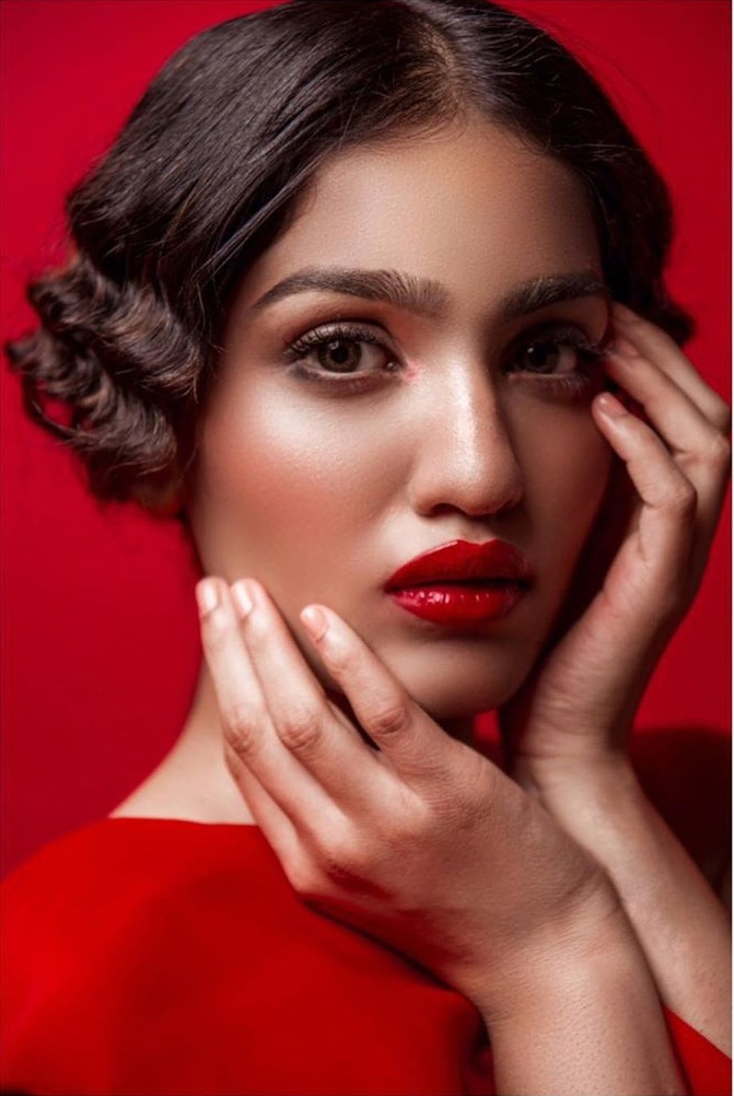 Saniya Iyappan Wiki, Age, Boyfriend, Movies, Family, Biography & beautiful Photos 21
