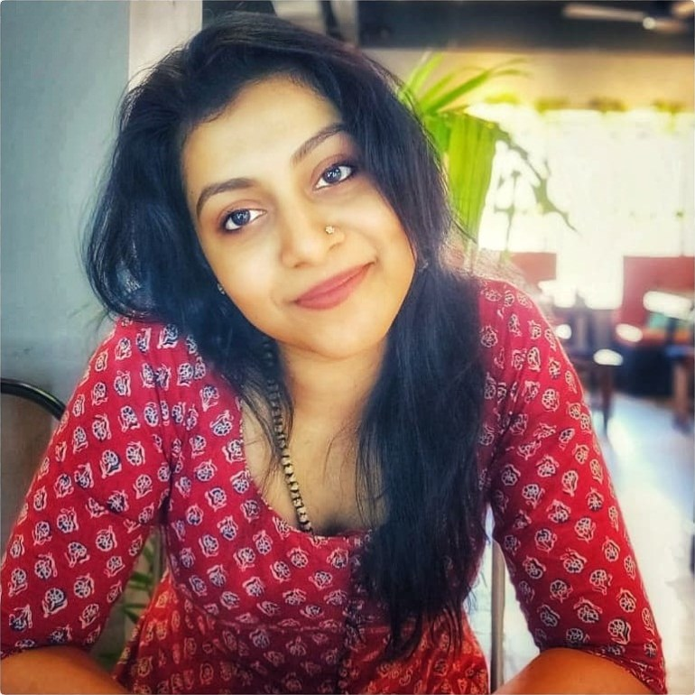 21+ Beautiful Photos of Shruthi Ramachandran 103