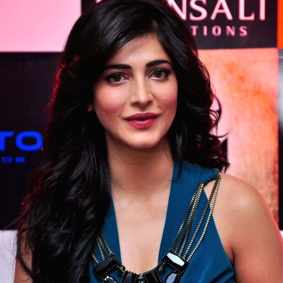 56+ Lovely Photos of Shruti Hassan 52