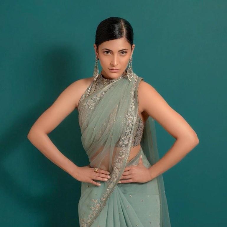56+ Lovely Photos of Shruti Hassan 92