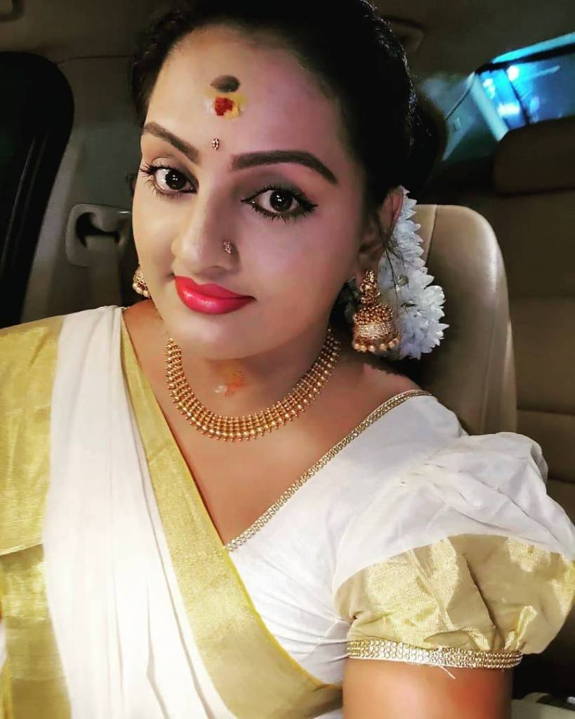 Suchitra Nair Wiki, Biography, Age, Family and 26+ Beautiful Photos 86