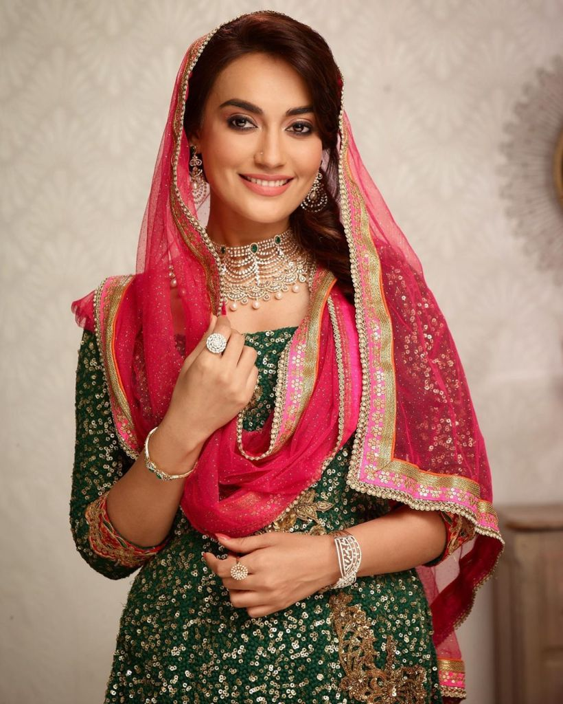 35+ Charming Photos of Surbhi Jyoti 31