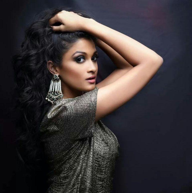 17+ Glamorous Photos of Sushrii Shreya Mishra 11
