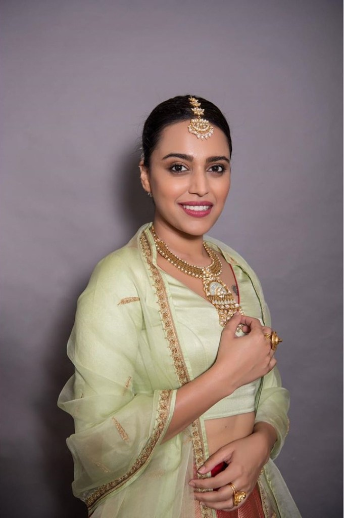 40+ Charming Photos of Swara Bhaskar 24
