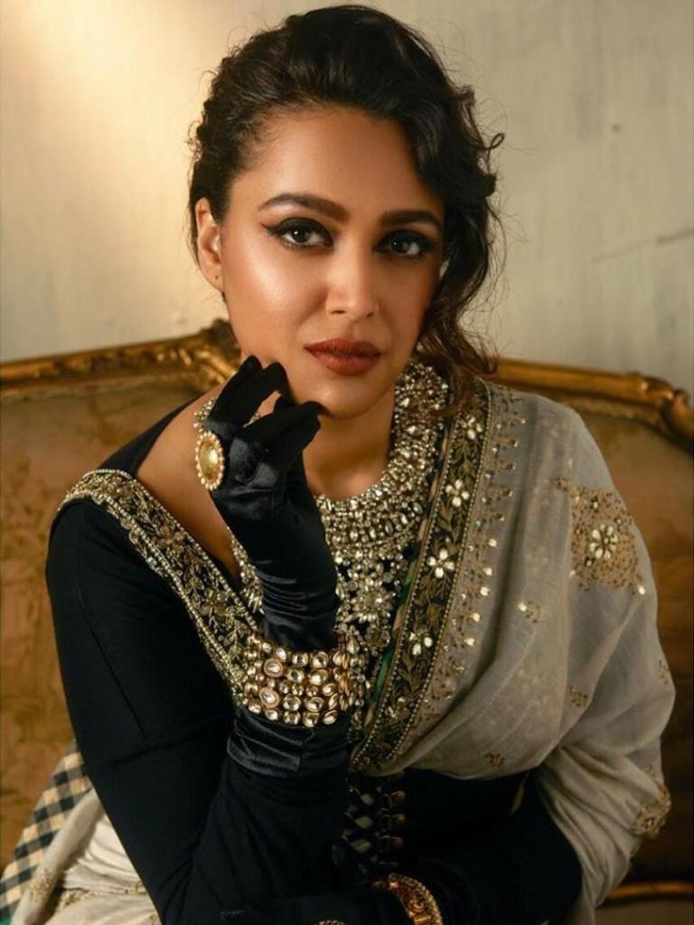 40+ Charming Photos of Swara Bhaskar 25