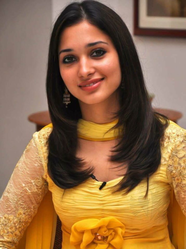 Tamanna Bhatia Wiki, Age, Biography, Movies, and Glamorous Photos 22