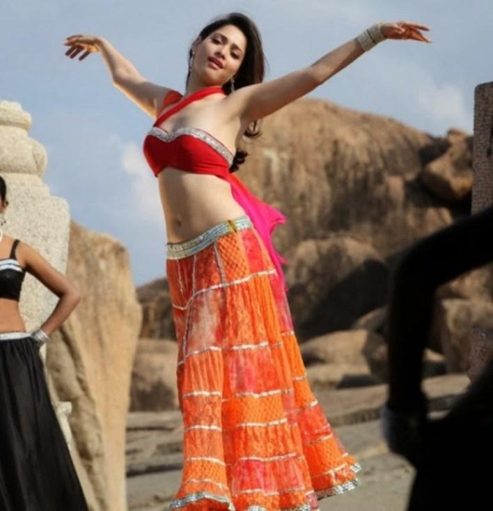 Tamanna Bhatia Wiki, Age, Biography, Movies, and Glamorous Photos 28