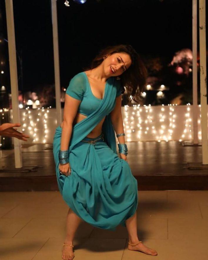 Tamanna Bhatia Wiki, Age, Biography, Movies, and Glamorous Photos 42