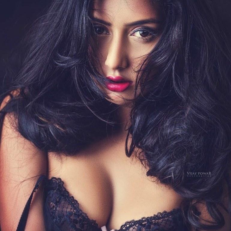 54+ Glamorous Photos of Twinkle Meena 28