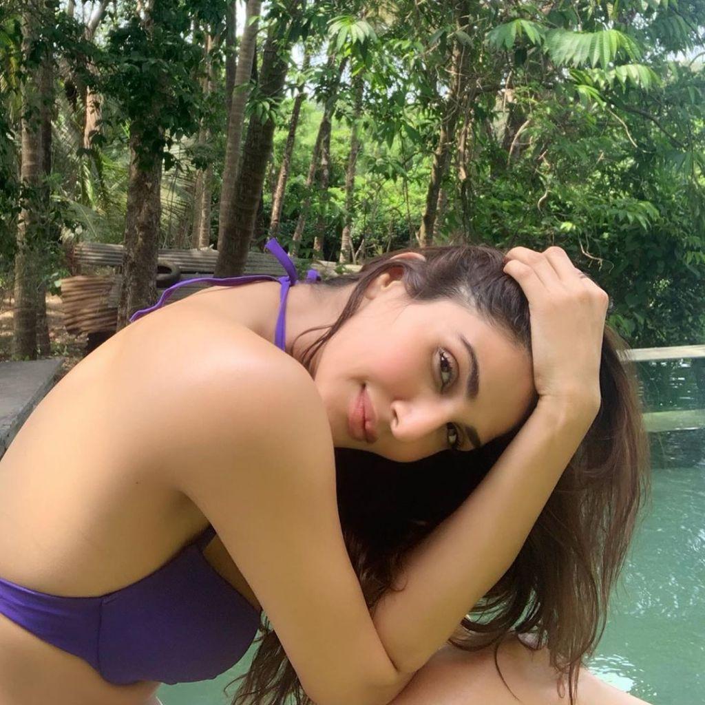 36+ Stunning Photos of Vaani Kapoor 13