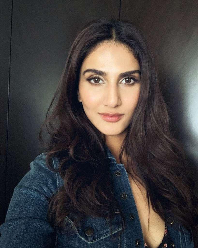 36+ Stunning Photos of Vaani Kapoor 29