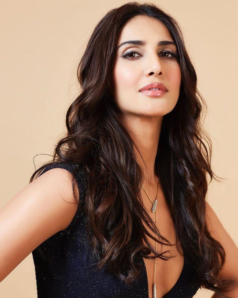 36+ Stunning Photos of Vaani Kapoor 37