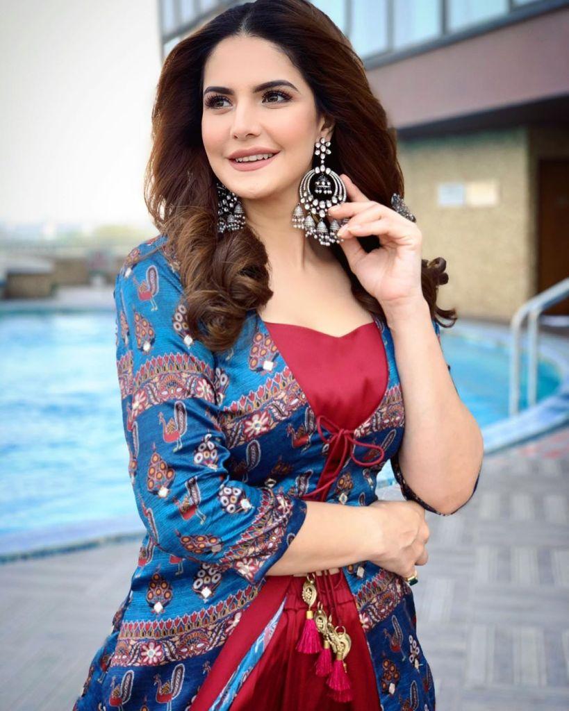 45+ Stunning Photos of Zareen Khan 16
