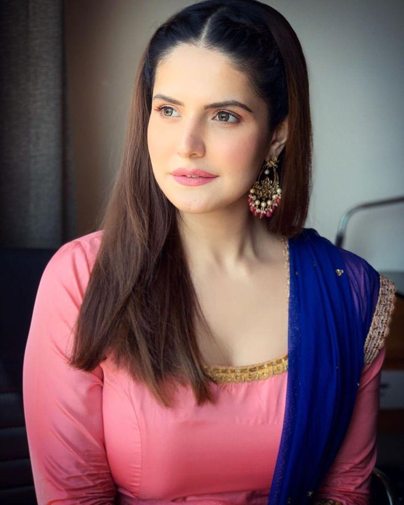45+ Stunning Photos of Zareen Khan 10