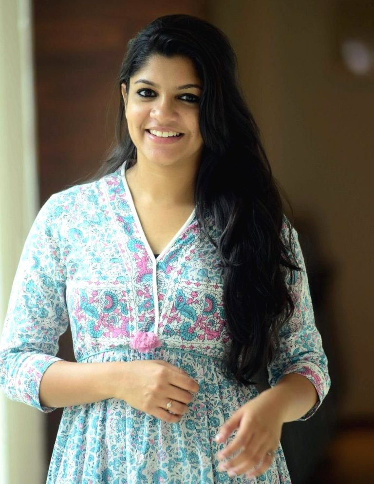 53+ Gorgeous Photos of Aparna Balamurali 123