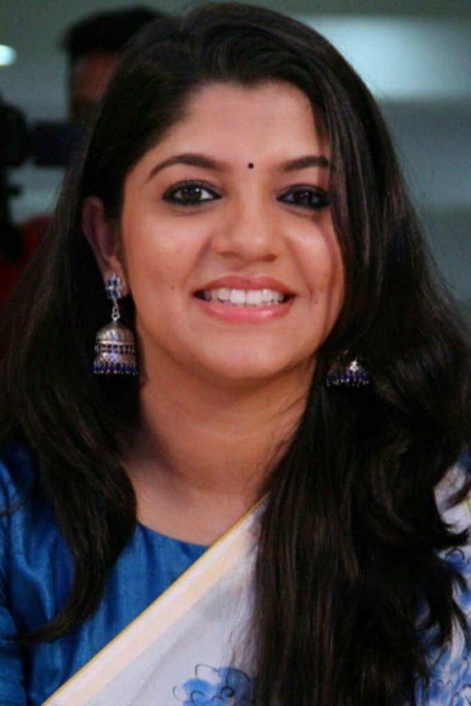 53+ Gorgeous Photos of Aparna Balamurali 2