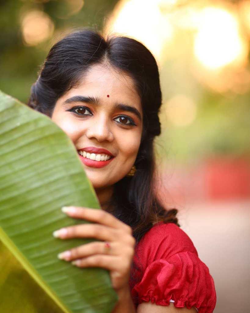Kerala Tik Tok Star Dhanya S Rajesh (Helen of Sparta) HD Photos 20