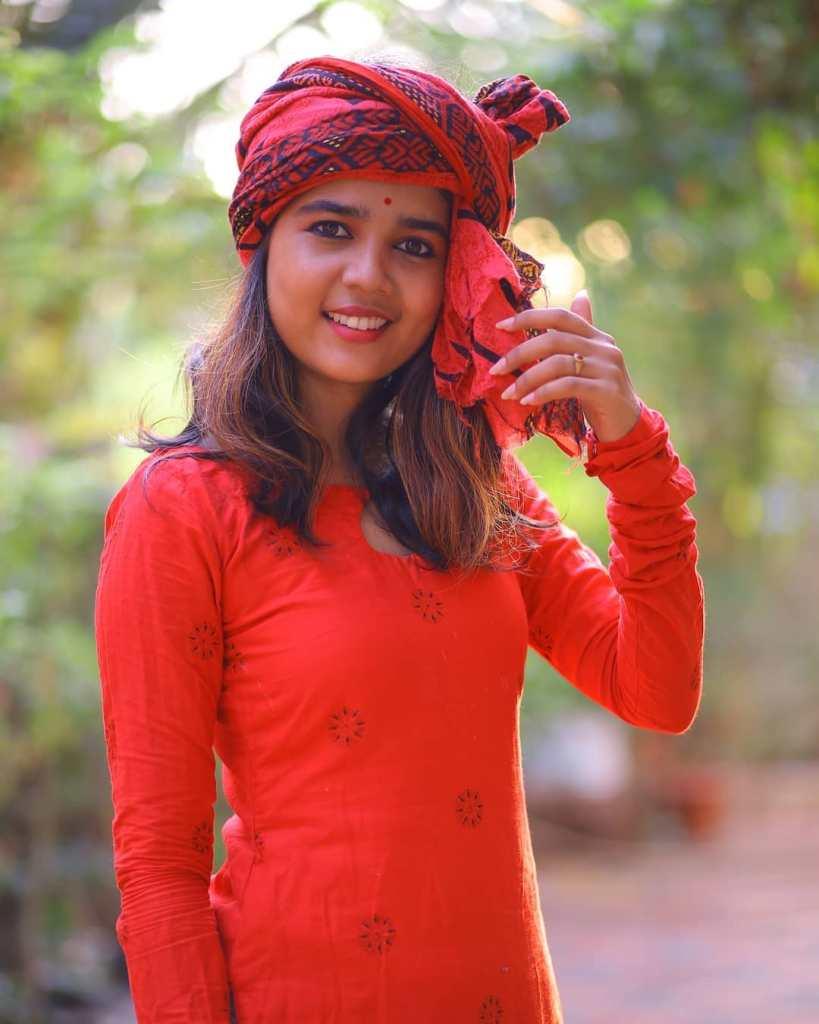 Kerala Tik Tok Star Dhanya S Rajesh (Helen of Sparta) HD Photos 26