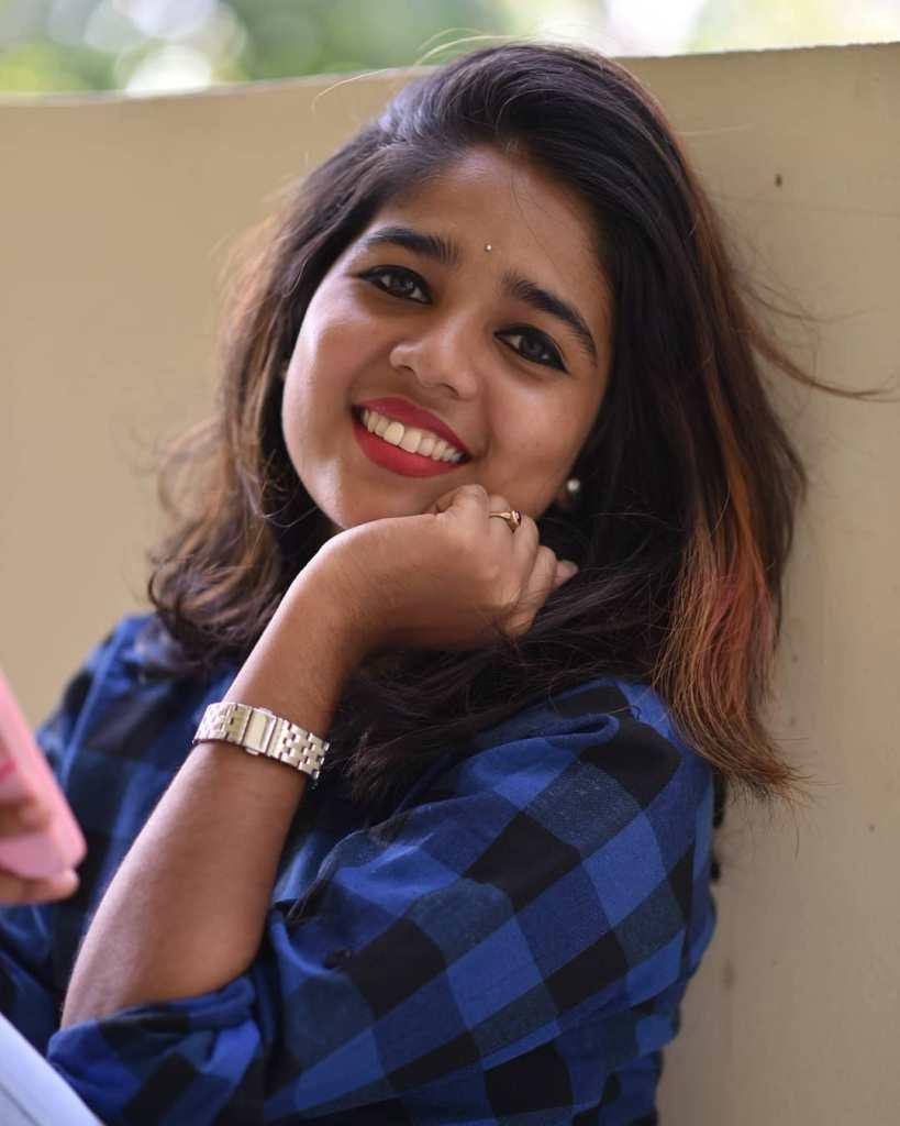 Kerala Tik Tok Star Dhanya S Rajesh (Helen of Sparta) HD Photos 14