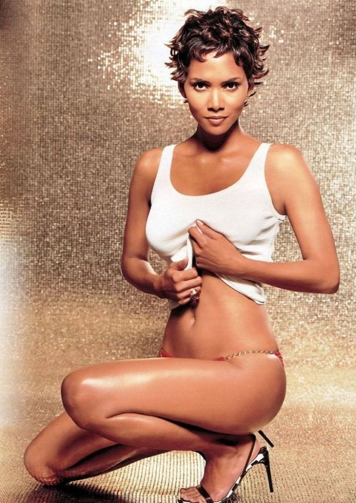 59+ Charming Photos of Halle Berry 57