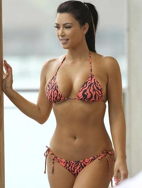 45+ Glamorous Photos of Kim Kardashian 11