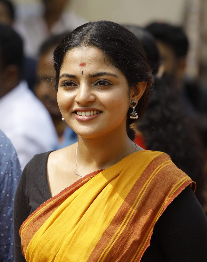 48+ Gorgeous Photos of Nikhila Vimal 130