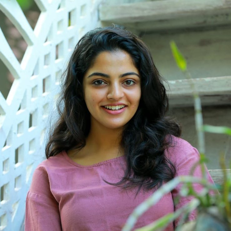 48+ Gorgeous Photos of Nikhila Vimal 90