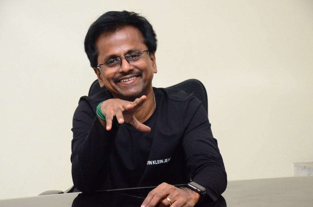 AR Murugadoss Wiki, Age, Family, Movies, HD Photos, Biography, and More 4