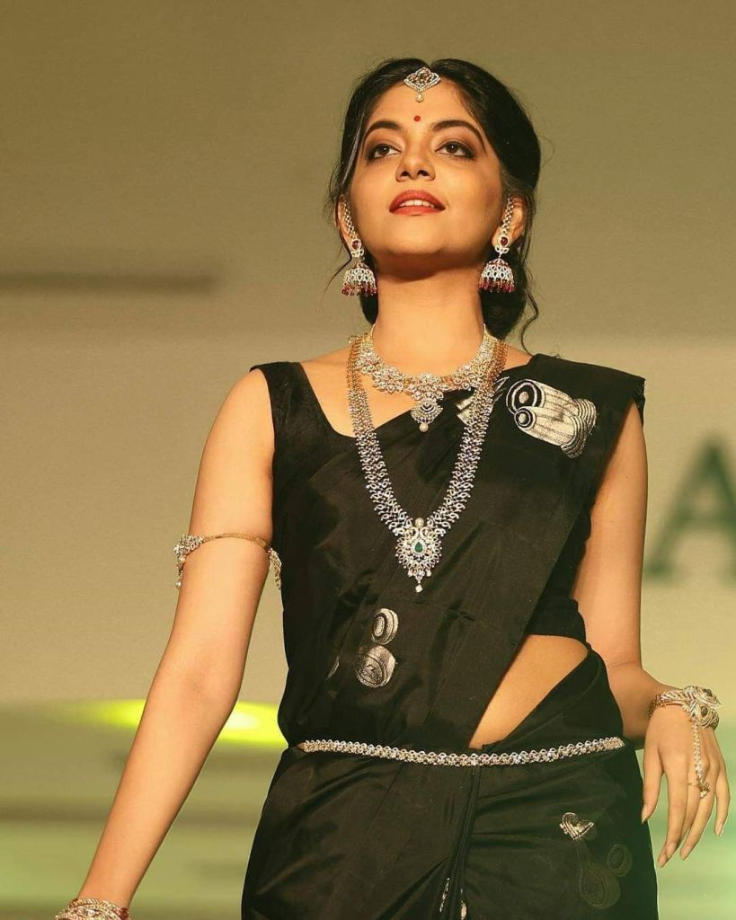 Ahaana Krishna 33+ Gorgeous Photos, Wiki, Age, Biography, and Movies 78