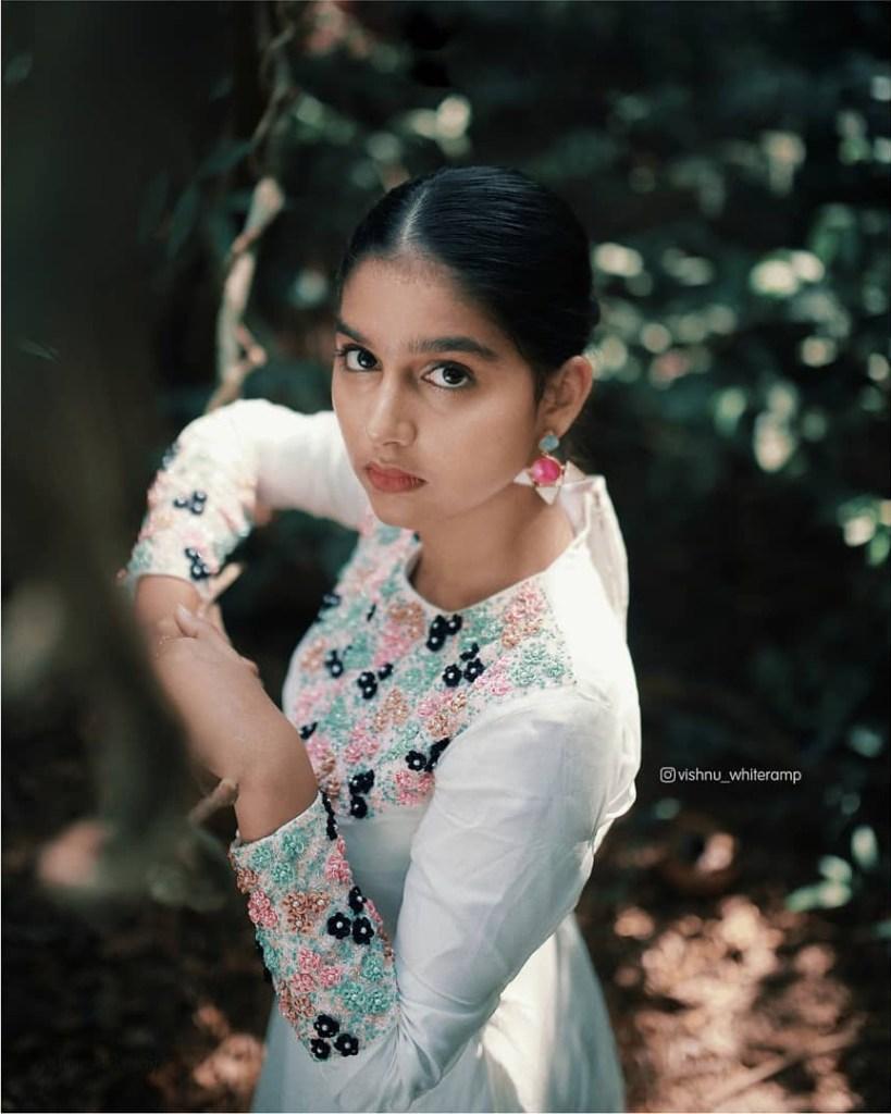 18+ Cute Photos of Anaswara Rajan 13