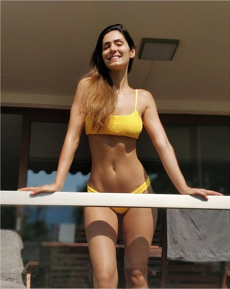 29+ Stunning Photos of Bruna Abdullah 10