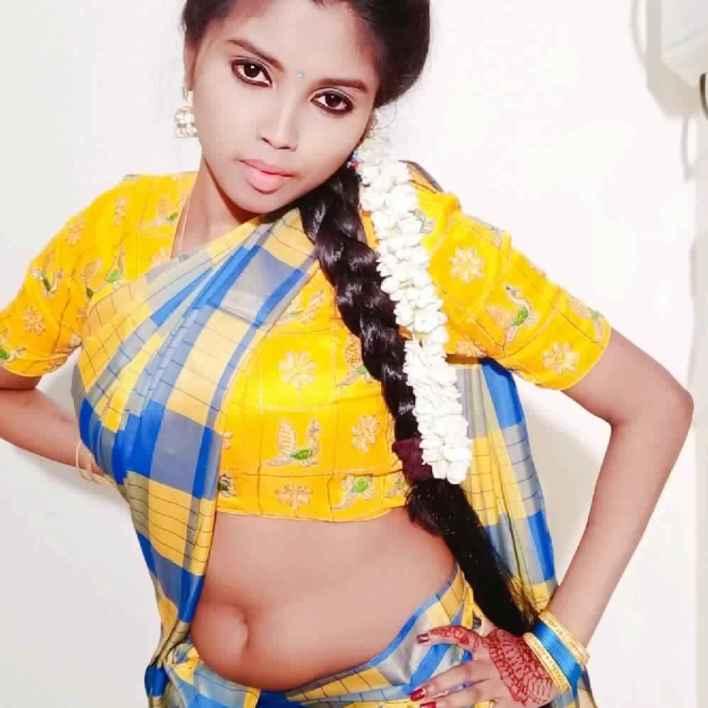 Tik Tok Star and Model Elakkiya Wiki, Age, Biography, and Glamorous Photos 2