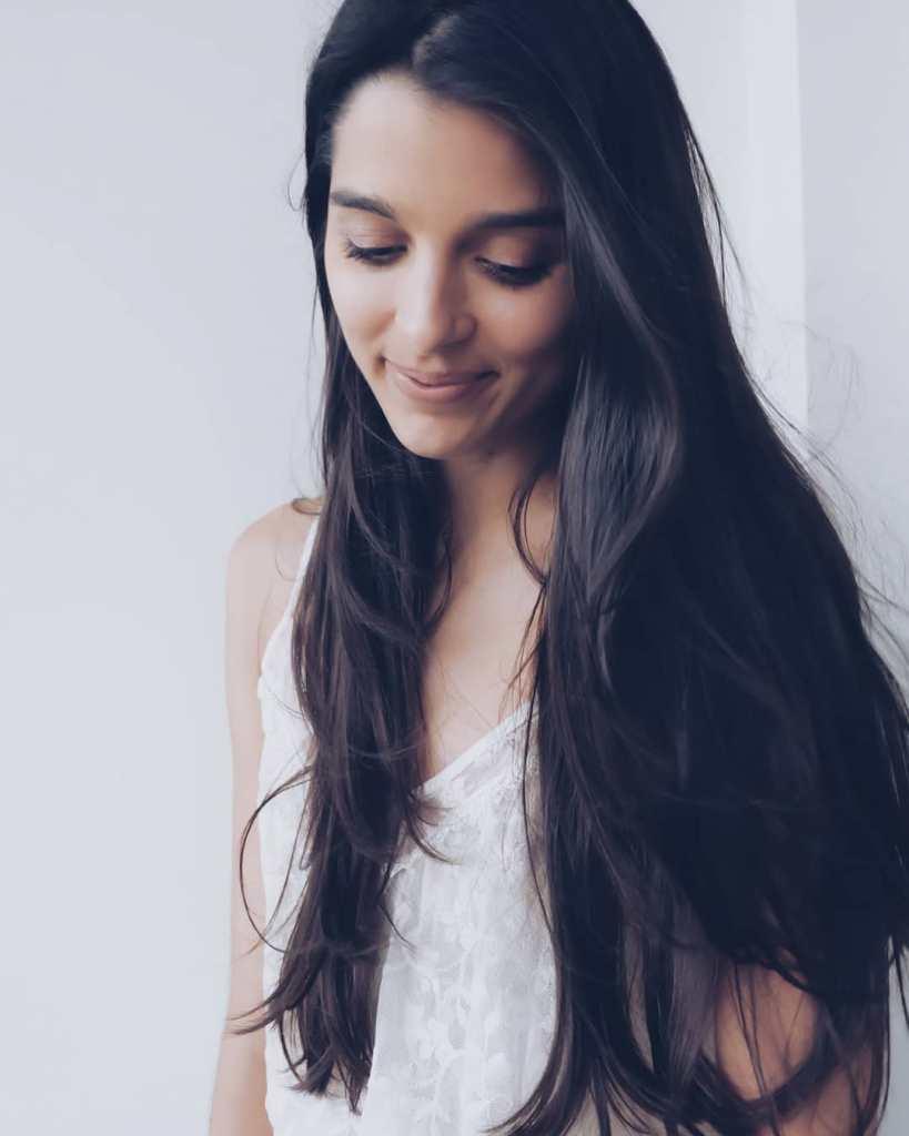 21+ Gorgeous Photos of Giselli Monteiro 18